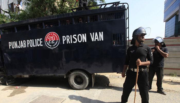 قیدیوں کی وین میں بزدار کی ہدایت پر تبدیلیاں