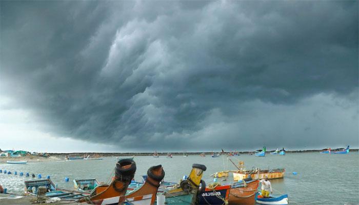 خلیجِ بنگال میں بننے والے طوفان 'گلاب' سے کراچی میں بارش کا امکان