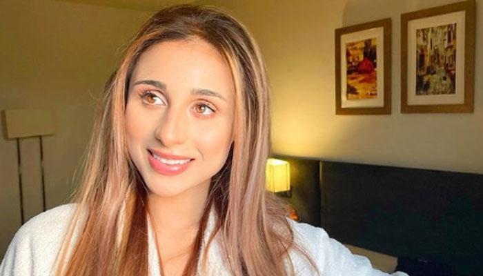 مشال خان کو تیزاب حملے کی دھمکی، اداکارہ نے ایف آئی اے سے رجوع کرلیا