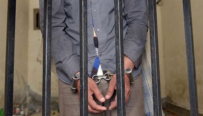 کراچی: پولیو ورکرز کو دھمکانے والا شخص گرفتار