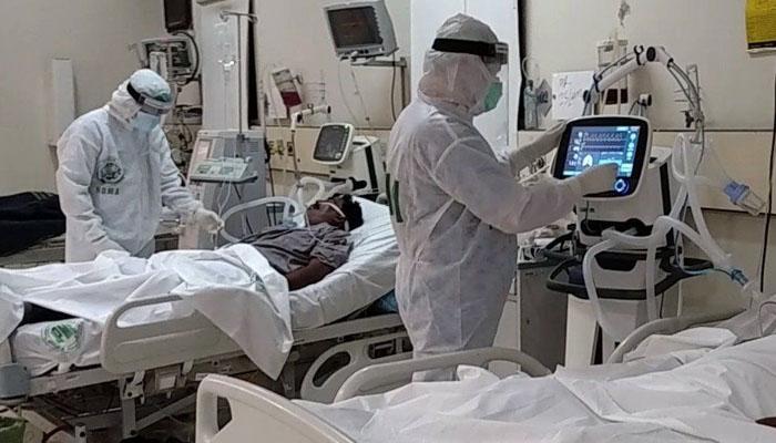 پشاور: سرکاری اسپتالوں میں کورونا مریضوں میں اضافہ
