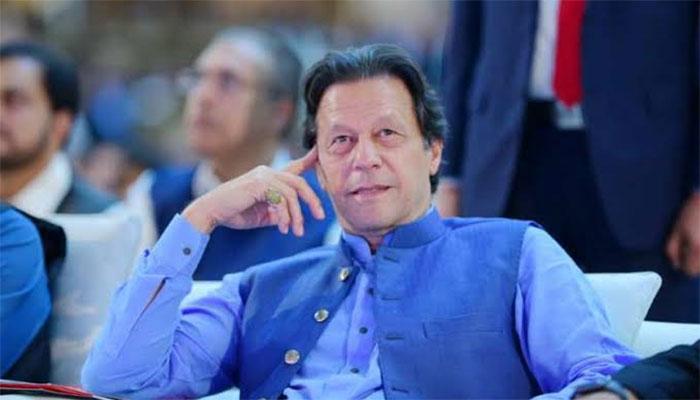 عمران خان نے 37 سال پرانی ورزش کرنے کی تصویر شیئر کردی