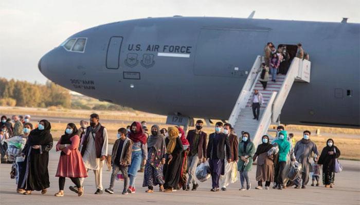 افغان پناہ گزینوں کو لے کر دوسری پرواز آج پاکستان سے اسپین پہنچے گی
