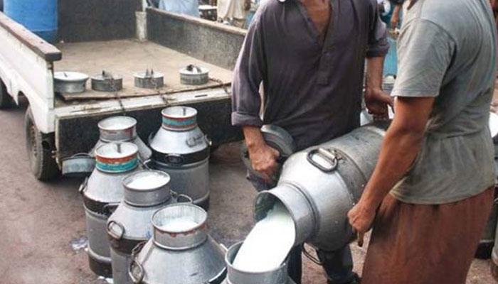 دکان داروں کا دودھ کی قیمت نہ بڑھانے کا اعلان