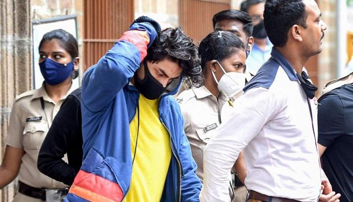 آریان خان چھاپے کے وقت کروز پر تھے ہی نہیں، وکیل نے الزام جھوٹا قرار دیدیا