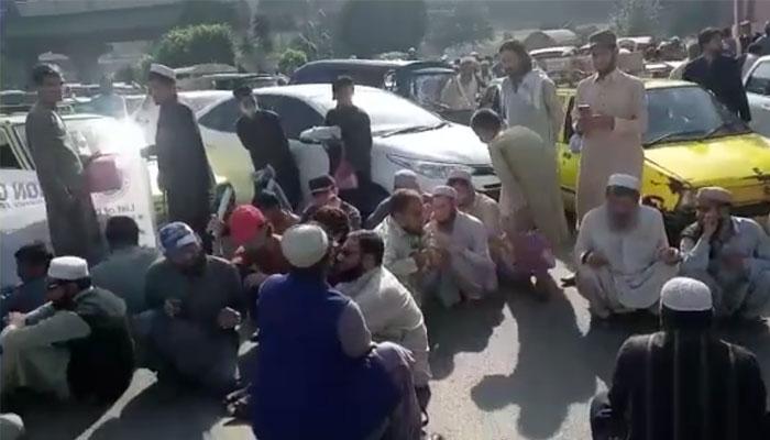 پشاور: نابینا افراد اور ضلعی انتظامیہ کے درمیان مذاکرات کامیاب