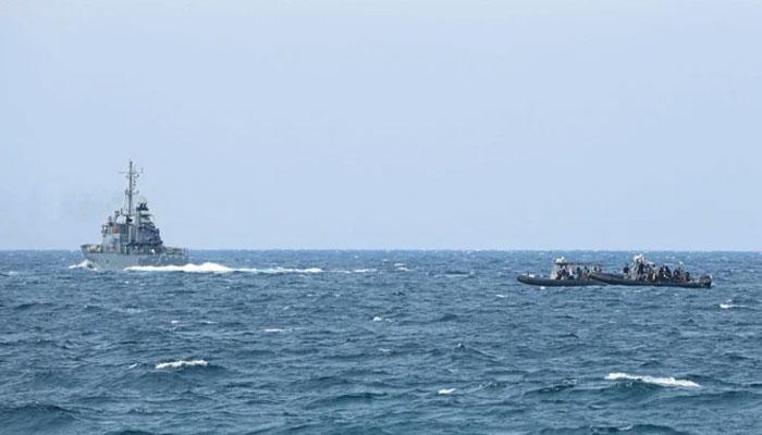 لبنان کا تربیتی طیارہ بحیرہ روم میں گرکر تباہ، پائلٹ اور ساتھی کی تلاش جاری