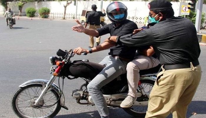 سندھ کے مختلف شہروں میں 15اکتوبر کو موٹرسائیکل کی ڈبل سواری پر پابندی